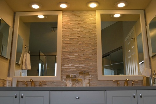 Paradise Valley bathroom remodeling contractor. Master bathroom remodel with a large soaking tub, glass shower surround, stacked stone backsplash.