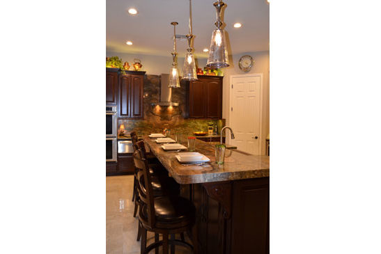 Phoenix Kitchen Remodeling Contractor. Open Concept kitchen with island seating and upscale features.